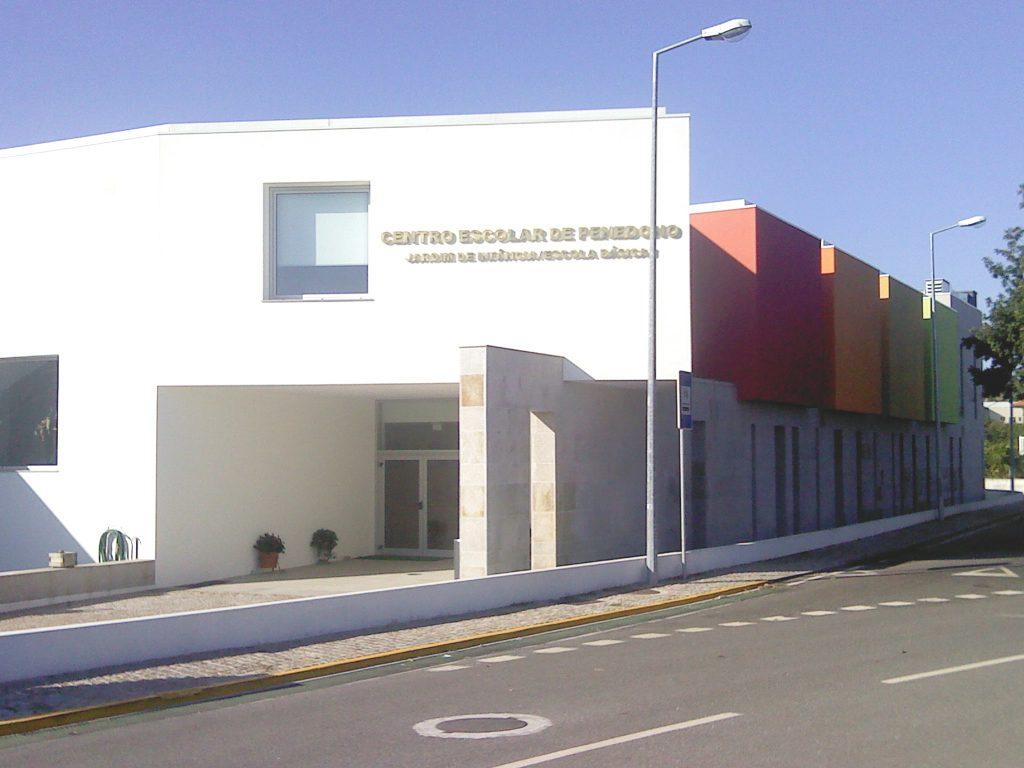Centro Escolar de Penedono construído pela Soteol em 2011