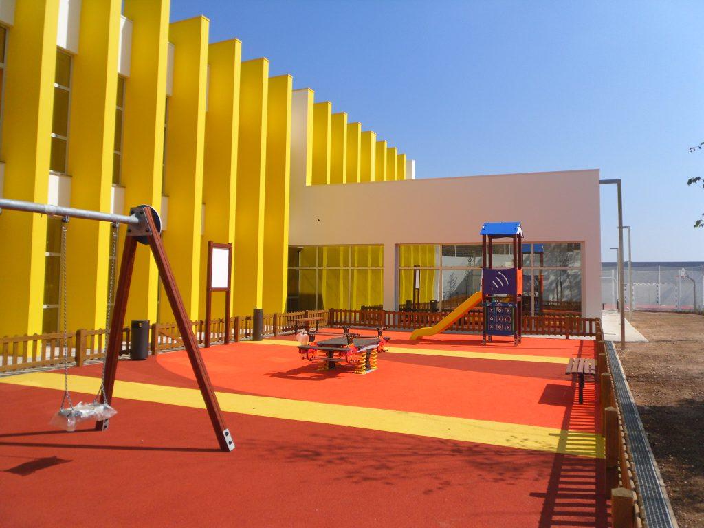 Centro Escolar das Pedreiras construído pela Soteol em 2013