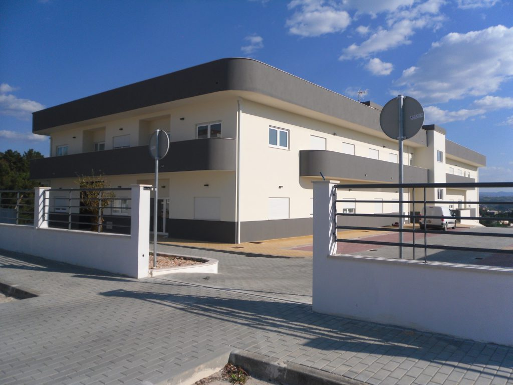 Lar do Centro Social Paroquial dos Pousos construído pela Soteol em 2013